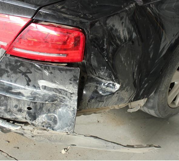 铝车身整形修复前