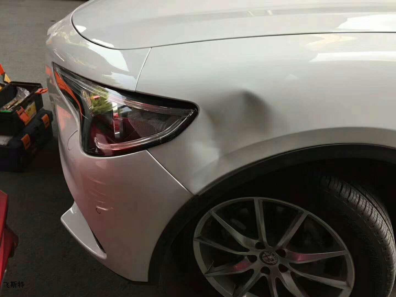 汽车凹陷修复前